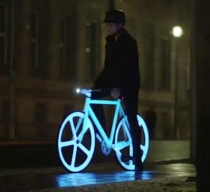 Electroluminescent painted bicycles just made night #1: electroluminescent painted bicycle 300x274
